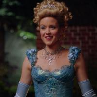 """Em """"Once Upon a Time"""": na 6ª temporada, Cinderela (Jessy Schram) retorna para acabar com mistério!"""