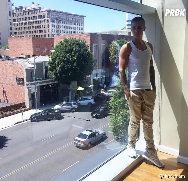 Justin Bieber lida com fã intrusa em sua mansão