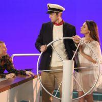 "Em ""Two and a Half Men"": Ashton Kutcher e Mila Kunis juntos na 1ª promo"