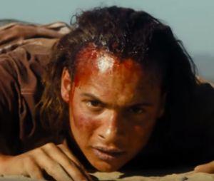 """Em """"Fear The Walking Dead"""", Nick é cercado por zumbis em novo vídeo!"""