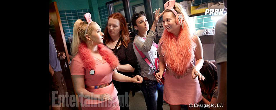 """Em """"Scream Queens"""": elenco se prepara para gravar em fotos dos bastidores"""