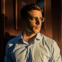 """De """"Justiça"""": Cauã Reymond fala sobre drama do seu personagem: """"Não gostaria de estar na pele dele"""""""