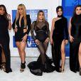 Ainda no tapete vermelho do VMA 2016,Fifth Harmony ganhou a categoria Música do Verão