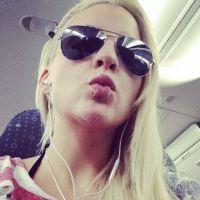 """Ex-""""BBB14"""" Clara manda beijinho para fãs depois de anunciar fim de seu casamento"""
