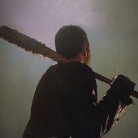 "De ""The Walking Dead"": na 7ª temporada, Jeffrey Dean Morgan fala sobre amor de Negan por Lucille"