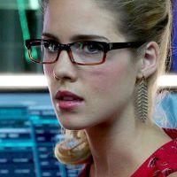 """Em """"Arrow"""": na 5ª temporada, Felicity (Emily Bett Rickards) terá cenas de ação na nova fase!"""