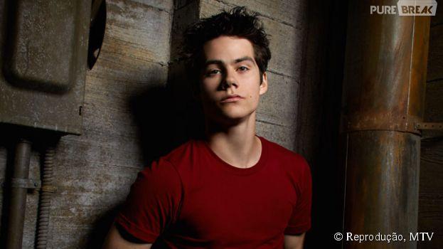 """Dylan O'Brien, de """"Teen Wolf"""", aparece diferente em primeira imagem de """"American Assassin"""""""