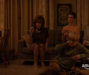 "Miley Cyrus no trailer da série ""Crisis in Six Scenes"", série de Woody Allen"