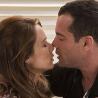 """Novela """"Haja Coração"""": Tancinha (Mariana Ximenes) e Apolo quase se beijam e são flagrados por Beto!"""
