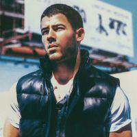 """Nick Jonas sensualiza para revista e revela: """"Sexualidade é importante quando se é um artista"""""""