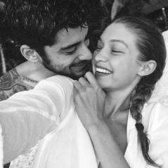 Gigi Hadid e Zayn Malik aparecem apaixonados em nova foto. Vem ver e shippar!