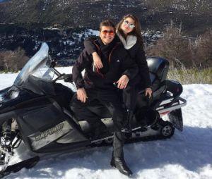 Camila Queiroz comenta namoro com Klebber Toledo no Instagram