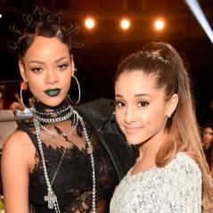 """Rihanna acha graça de Ariana Grande durante apresentação de """"Problem"""""""