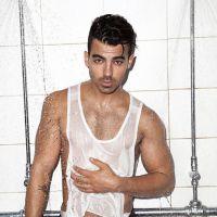 Joe Jonas faz ensaio sensual para revista e confessa que já foi flagrado vendo pornô na internet!