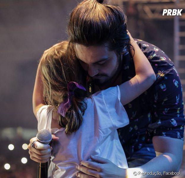 Luan Santana convida fã mirim para subir ao palco e emociona o público durante show no Rio Grande do Sul