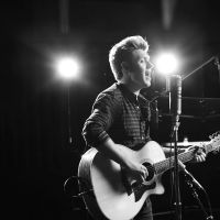 """Niall Horan, de One Direction, canta """"This Town"""" no programa """"Today"""""""