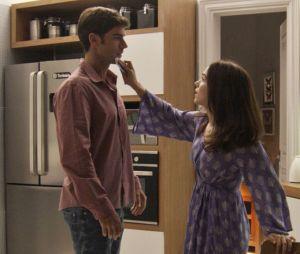 """Final """"Haja Coração"""": com o passar do tempo,Shirlei (Sabrina Petraglia) e Felipe (Marcos Pitombo) foram ficando ainda mais próximos"""