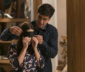 """Final """"Haja Coração"""": Felipe (Marcos Pitombo), sempre um príncipe, preparou diversas surpresas paraShirlei (Sabrina Petraglia), como um jantar bem romântico"""