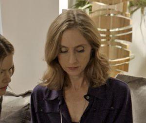 """Novela """"Haja Coração"""": Vitória (Beth Goffman), mãe de Felipe (Marcos Pitombo), foi uma das que odiou saber que o filho estava apaixonado por Shirlei (Sabrina Petraglia)"""