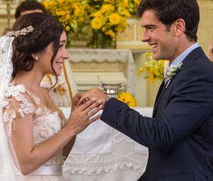 """Final """"Haja Coração"""": Shirlei (Sabrina Petraglia) e Felipe (Marcos Pitombo) tiveram que vencer muitos obstáculos para ficarem junto! Relembre história do casal"""