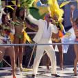 "Pitbull, Jennifer Lopez e Claudia Leitte cantam ""We Are One (Ole Ola)"""