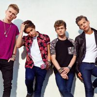 "Com Demi Lovato, The Vamps lança a música ""Somebody To You"""