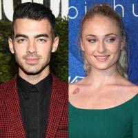 """Joe Jonas e Sophie Turner, de """"Game of Thrones"""", vão juntos a casamento em meio a boatos de namoro"""