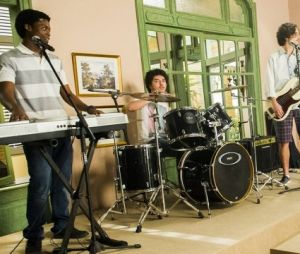 """Em """"Rock Story"""": JF (Maicon Rodrigues) entra na banda de Zac (Nicolas Prattes) e Gui (Vladimir Brichta)!"""