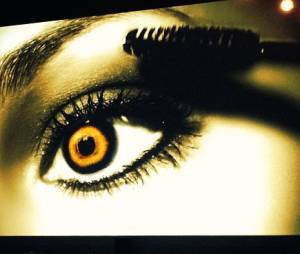 "Veja a promo do episódio especial de Halloween de ""Pretty Little Liars"", que vai ao ar na próxima terça-feira (22)!"