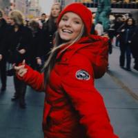 """Larissa Manoela completa 16 anos em Nova York e comemora no Instagram: """"Happy Birthday to me"""""""