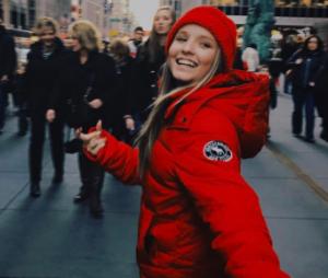 Larissa Manoela comemora aniversário de 16 anos em Nova York!