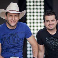 Matheus Minas e Leandro comemoram 7 anos de sucesso com seus fãs