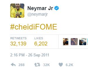 É preciso comer bastante pra correr daquele jeito, menino Neymar!