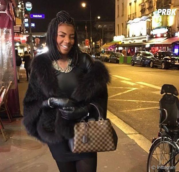 Ludmilla está aproveitando sua viagem para Paris, na França!