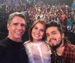 """Luan Santana e Camila Queiroz participam do programa """"Tamanho Família"""""""
