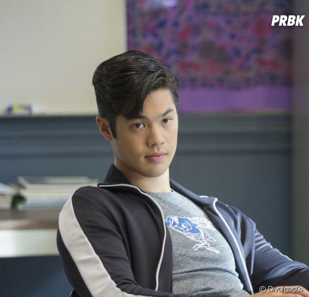 """Mudança no elenco de """"Riverdale"""" pode indicar renovação de """"13 Reasons Why"""""""