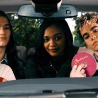 """De """"Descendentes 2"""": Dove Cameron e elenco do filme fazem seu próprio Carpool Karaoke!"""