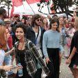 Chay Suede e Laura Neiva também foram protestar pelas Diretas Já