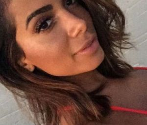 Anitta é processada por ex-dançarina após demissão!
