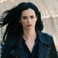 """Em """"Jessica Jones"""": na 2ª temporada, protagonista aparece com novo namorado em fotos! Confira"""