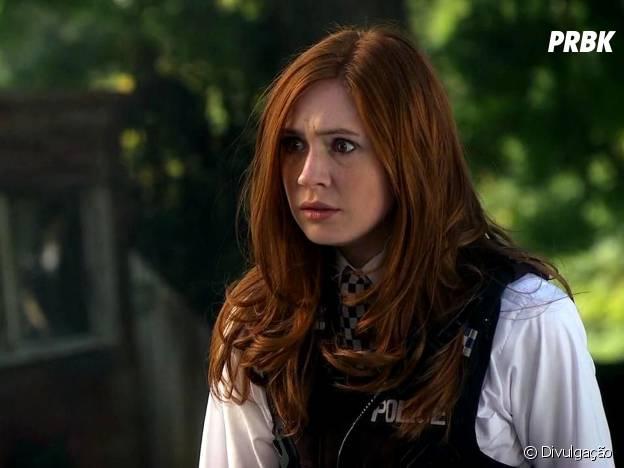 """Karen Gillan em cena de """"Doctor Who"""""""