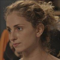 """Novela """"A Força do Querer"""": Ivana (Carol Duarte) se veste de homem e Joyce debocha"""