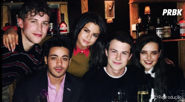 "Selena Gomez e o elenco de ""13 Reasons Why"""