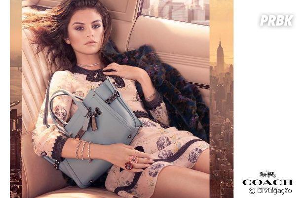 Selena Gomez estrela campanha da grife americana Coach