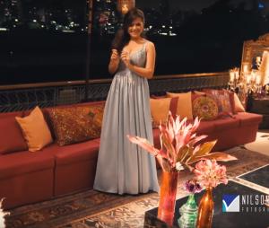 Maisa Silva usando seu primeiro look para receber os convidados