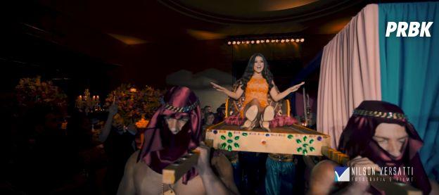 Maisa Silva fechando a noite com seu vestido de balada