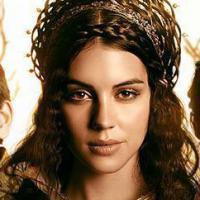 """Conheça """"Reign"""", a nova série sedutora, polêmica e de época da CW!"""