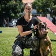 """Em """"A Força do Querer"""", Jeiza (Paolla Oliveira) será salva pelo seu cão policial Iron"""