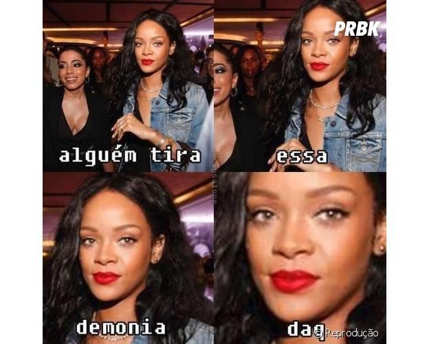 Anitta tenta tirar selfie e é esnobada por Rihanna