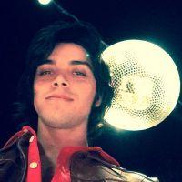 """Rodrigo Simas fala sobre o Beto de """"Boogie Oogie"""" e do cabelo novo"""